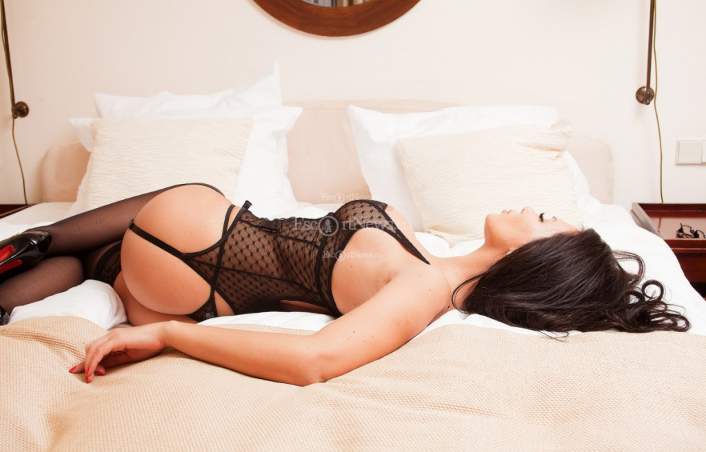 Isabella - top escort in Berlin