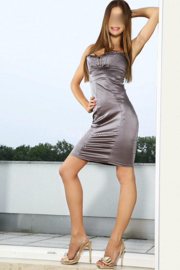 Giulia Graf - top escort in Berlin